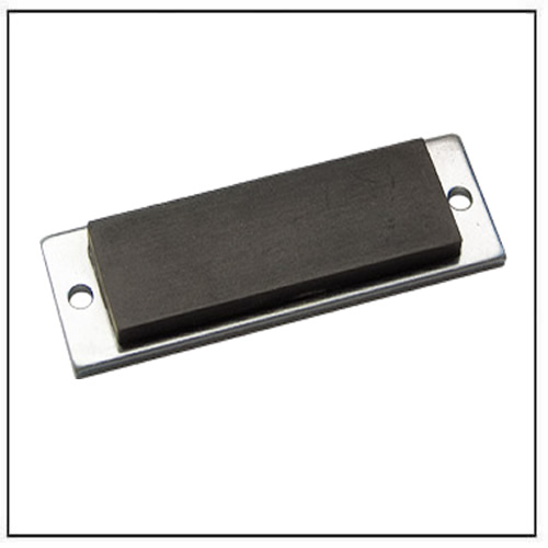 through-hole-magnetic-mounting-pad-rubber-coated