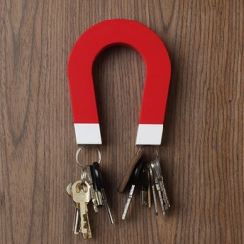 Horseshoe Shaped Magnetic Key Holder Chain