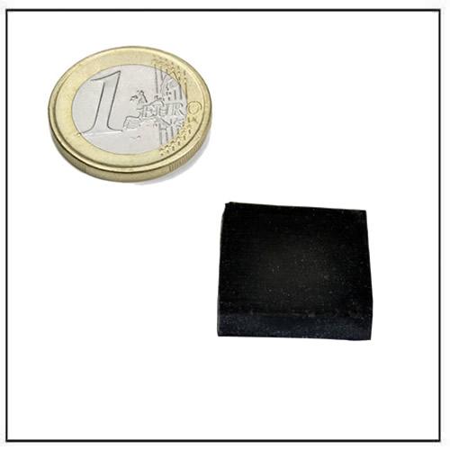 25 x 25 x 5mm Black Rubber Coated Square Neodymium Magnets