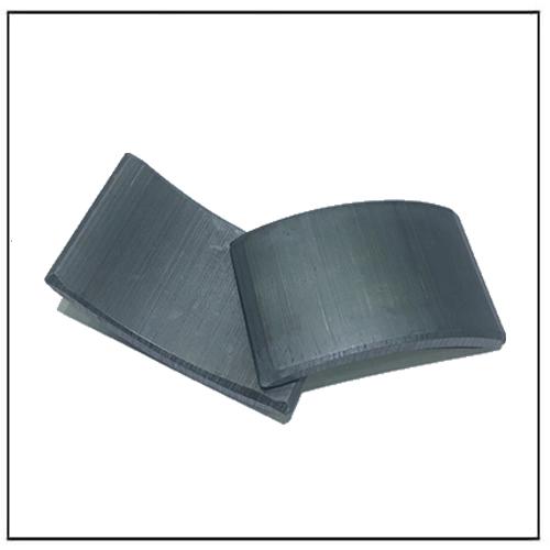 Various Size Permanent C1 Sintered Ceramic Segment Magnet