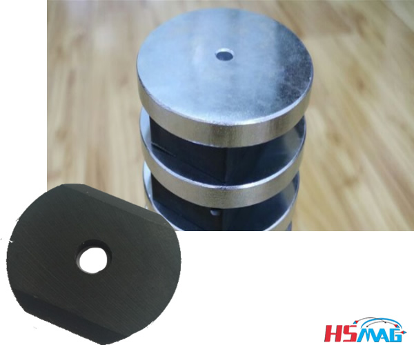 Punched Ferrite Magnets with a Small Hole in the Middle